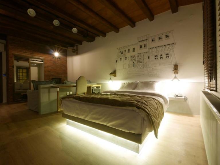Bedside-Wall Lighting
