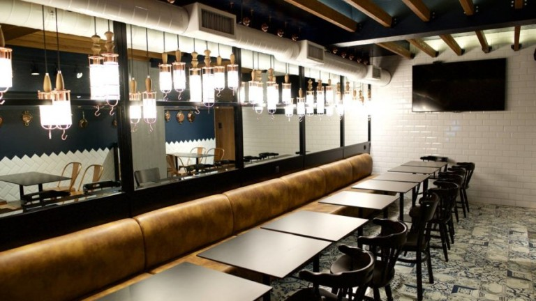 grill-restaurant-Giannis-by-homelighting-Greece-7